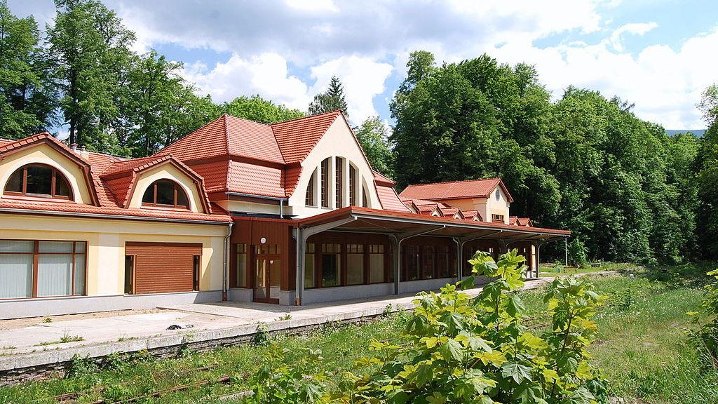 1024px-PL_Karpacz_Dworzec_0010, fot. Wikipedia, autor Irena Goderska